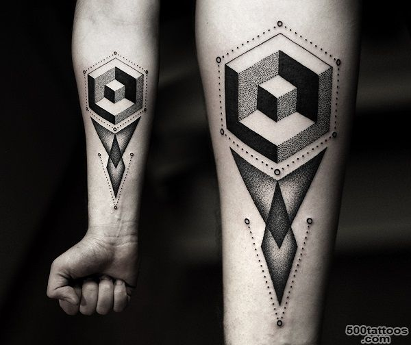 Powerful-And-Bold-Mesmerizing-Black-Ink-Tattoos---DesignTAXI.com_3.jpg