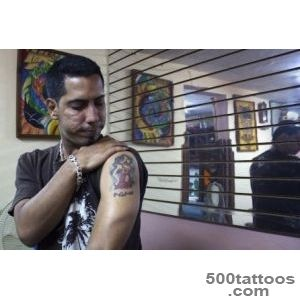 In Cuba, Tattoo Artists Make More than Doctors and Lawyers  VICE _29