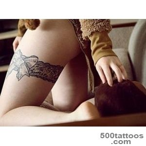 30 Garter Belt Tattoo Art Examples_18