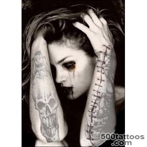 Gothic Tattoos for Women   Tattoo Designs, Piercing, Body Art _8