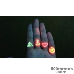 5 UV Black Light Tattoo Risks To Consider Before You Get That Cool _10