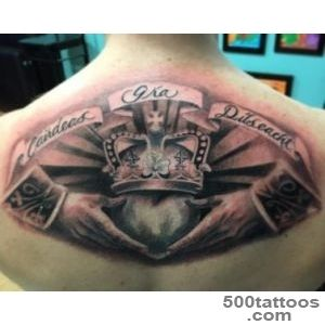 Claddagh Irish Tattoo On Man Upper Back_46