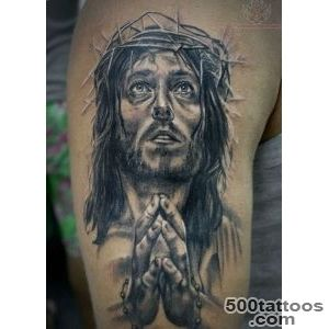 Top 25 Praying Hands Tattoos for the Faithful_12