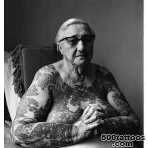 A History of Women and Tattoo  Ubersuper_31