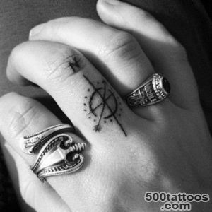 45-Wonderful-Photos-of-Simple-Tattoos_12jpg