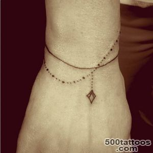2 a tattoo bracelet fashion tattoos even vogue editors would love_33 - Bracelet Design Ideas