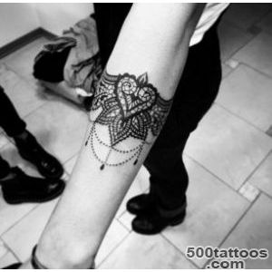 40 Beautiful Bracelet Tattoos for Men amp Women   TattooBlend_14