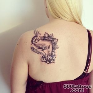 25 Awesome Shoulder Blade Tattoo Designs_3