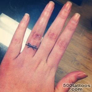 33 Impossibly Sweet Wedding Ring Tattoo Ideas You#39ll Want To Say _6