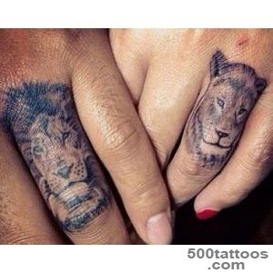 28 Tiny Finger Tattoo Ideas_12