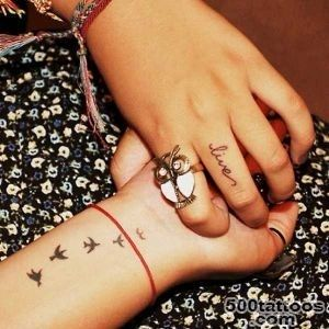These 20 Creative Tattoos On Fingers Will Help You Stand Out_45